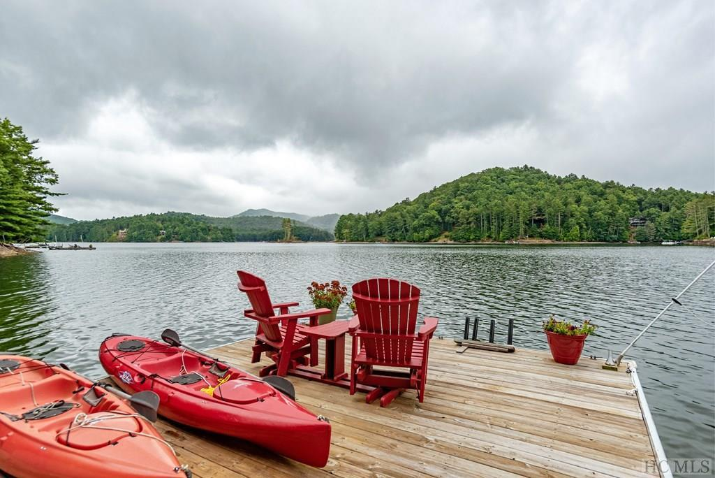 Photo of home for sale at 653 Summer Hill Road, Cullowhee NC
