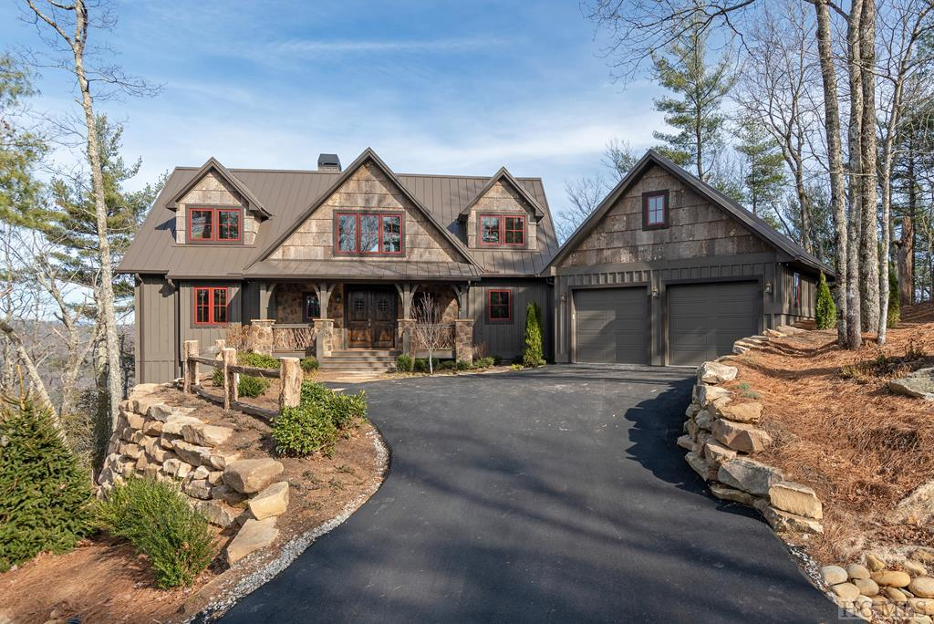 Photo of home for sale at 483 East Ridge Road, Cashiers NC
