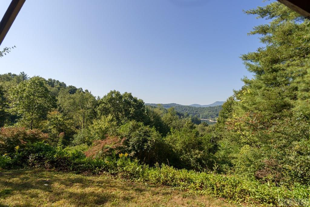 Photo of home for sale at 142 Dutch Road, Glenville NC