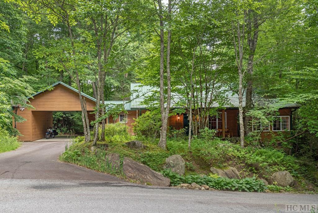 Photo of home for sale at 67 Fallen Leaf Lane, Highlands NC