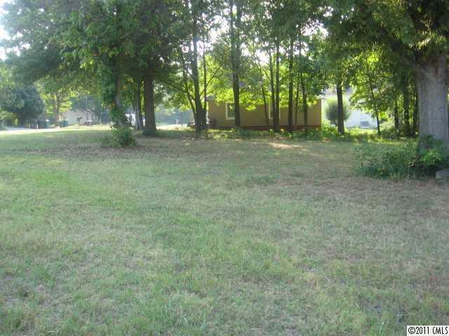 Photo of home for sale at 0 Louisiana Avenue W, Bessemer City NC