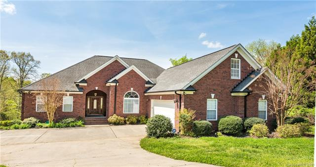Photo of home for sale at 9236 Sanger Court, Harrisburg NC