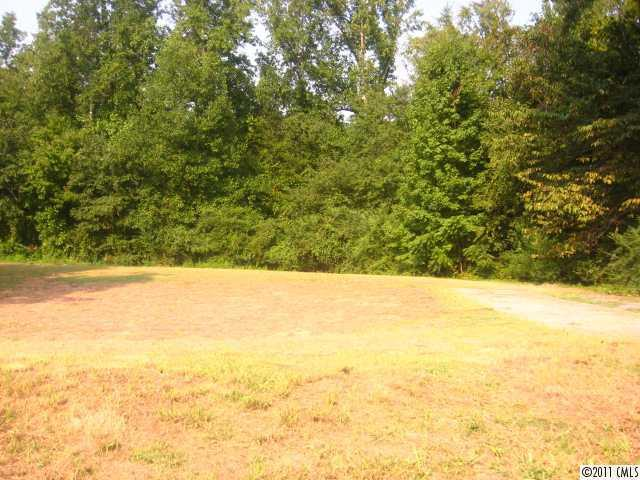 Photo of home for sale at 830 Carolina Avenue W, Bessemer City NC