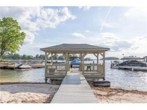 Property for sale at 20901 Island Forest Drive, Cornelius,  North Carolina 28031
