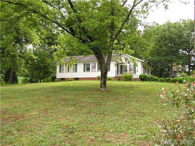 Photo of home for sale at 24344 Nc Hwy 24/27 Highway, Albemarle NC