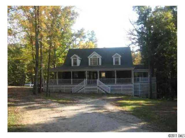 Photo of home for sale at 390 Montgomery Road, Lancaster SC