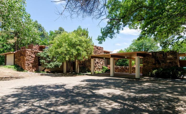 Photo of home for sale at 7200 Rio Grande Blvd NW, Los Ranchos NM