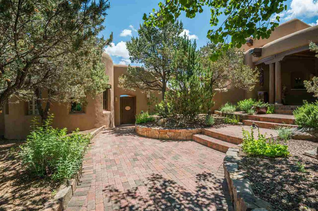 Photo of home for sale at 23 Hawthorne Circle, Santa Fe NM