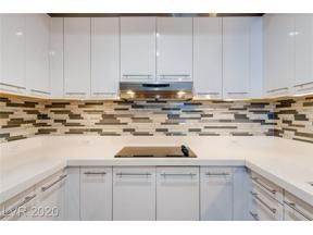Property for sale at 2700 S LAS VEGAS BL Boulevard 3302, Las Vegas,  Nevada 89109