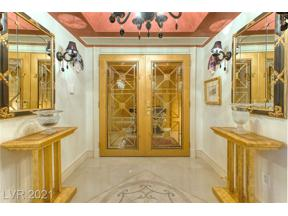 Property for sale at 2747 Paradise Road 1502, Las Vegas,  Nevada 89109