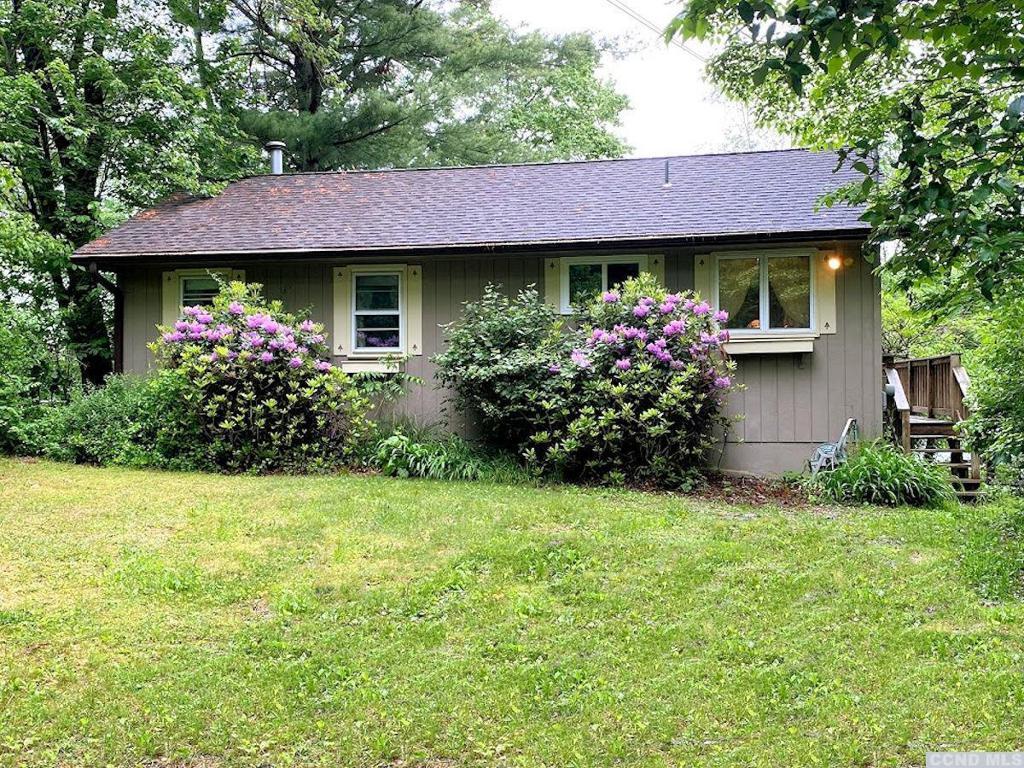 1088 Lakeview Copake NY 12516