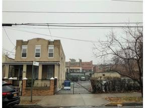 Property for sale at 1123 East 211Th Street, Bronx,  New York 10469