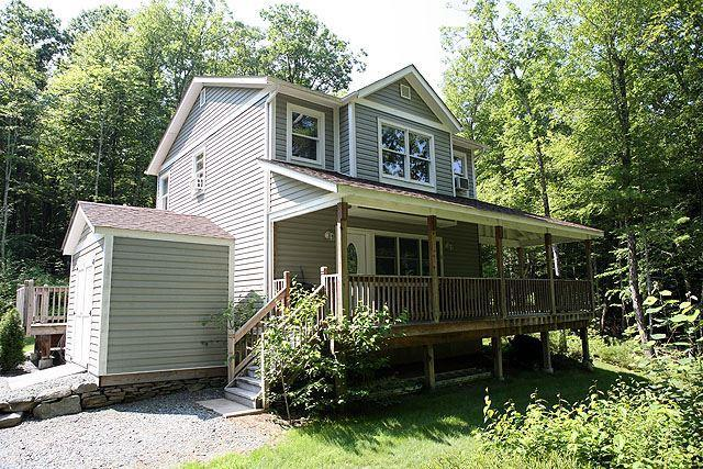 Photo of home for sale at 55 Parker Road, Narrowsburg NY