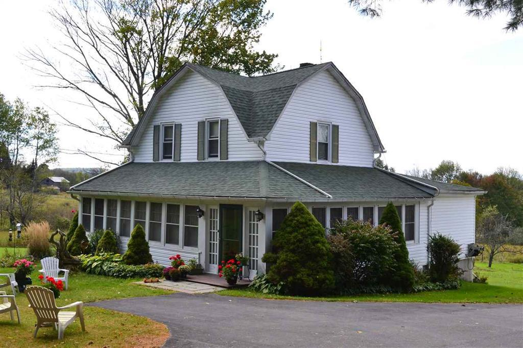 Photo of home for sale at 33 Obernburg Road, Fremont Center NY