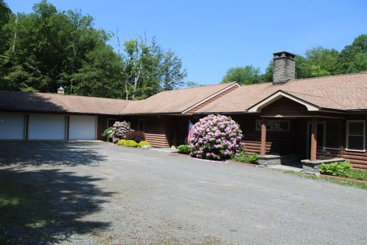 Photo of home for sale at 1009 Beaverkill Road, Lew Beach NY