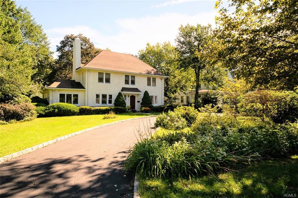 Photo of home for sale at 99 Soundview Avenue, White Plains NY