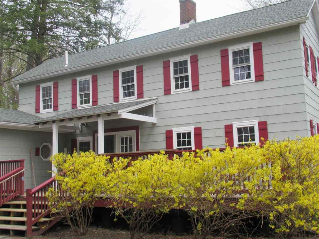 15 Clermont Street Saugerties NY 12477