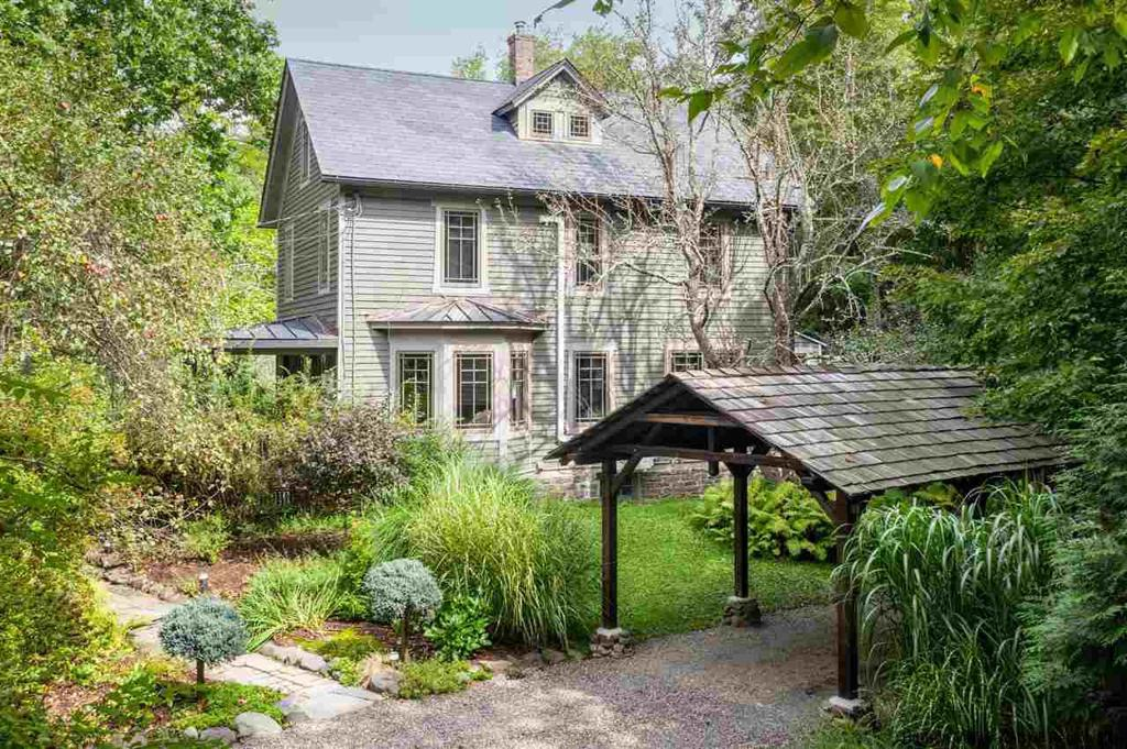64 Lower Byrdcliffe Road Woodstock NY 12498