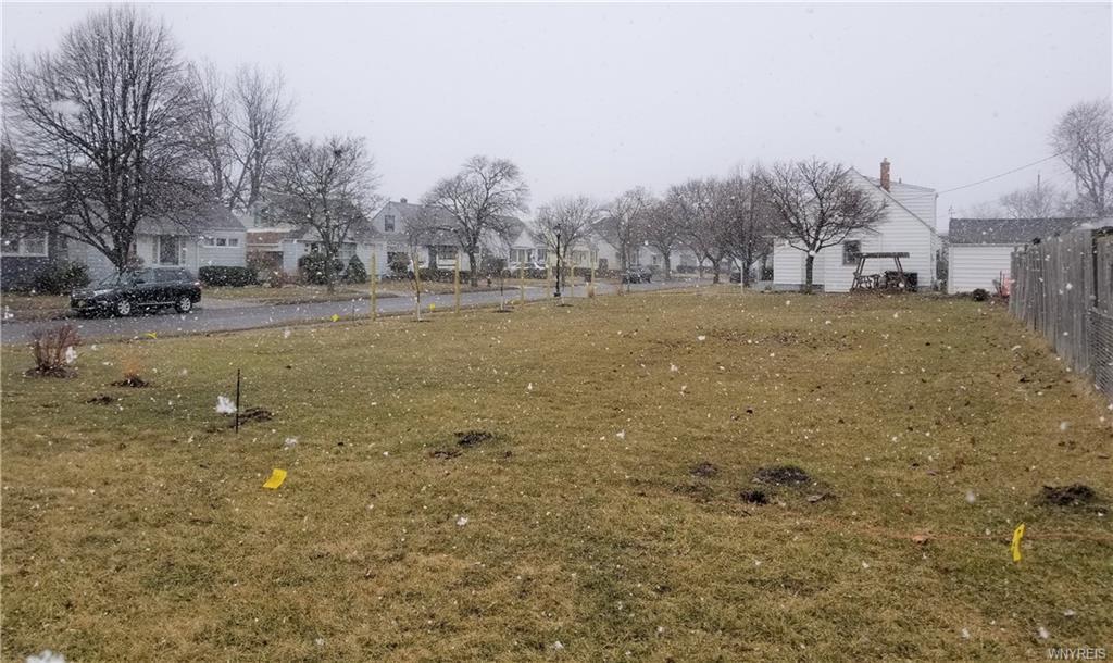 Photo of home for sale at 423 Tremaine Avenue, Tonawanda-town NY