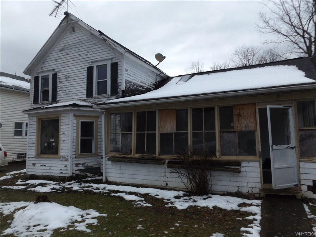 Photo of home for sale at 10713 Sisson Highway, North Collins NY