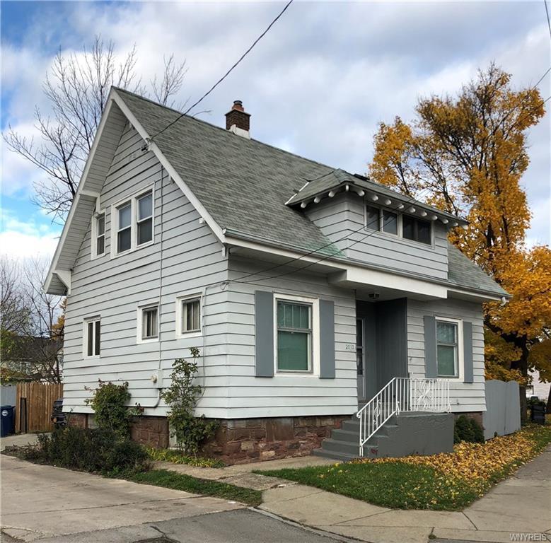 Photo of home for sale at 2010 Hyde Park Boulevard, Niagara Falls NY