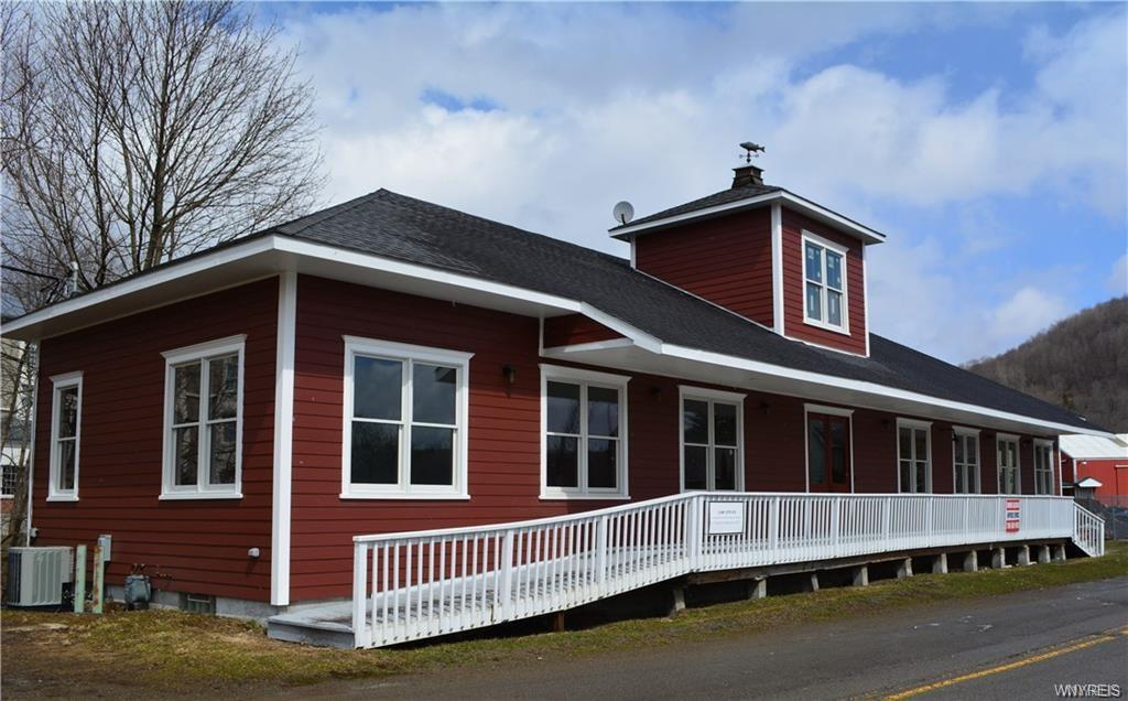 Photo of home for sale at 11-C Martha Street, Ellicottville NY