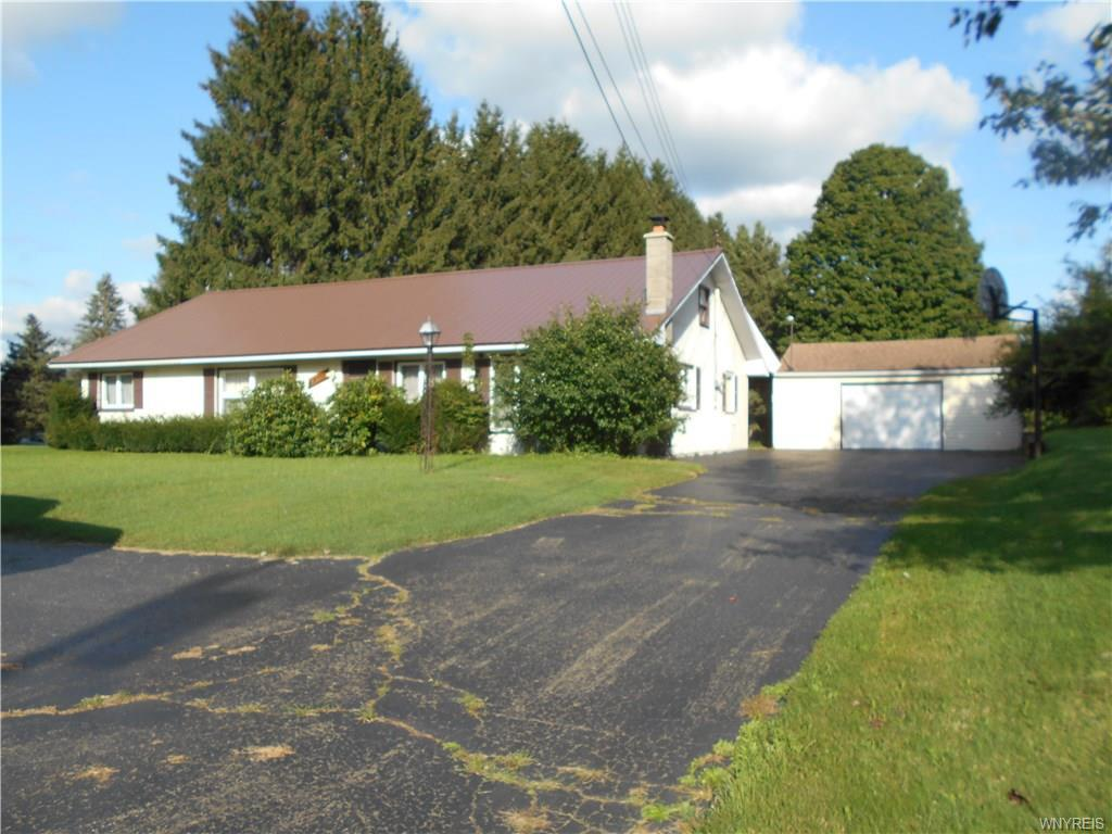 Photo of home for sale at 51 Grove Street, Yorkshire NY
