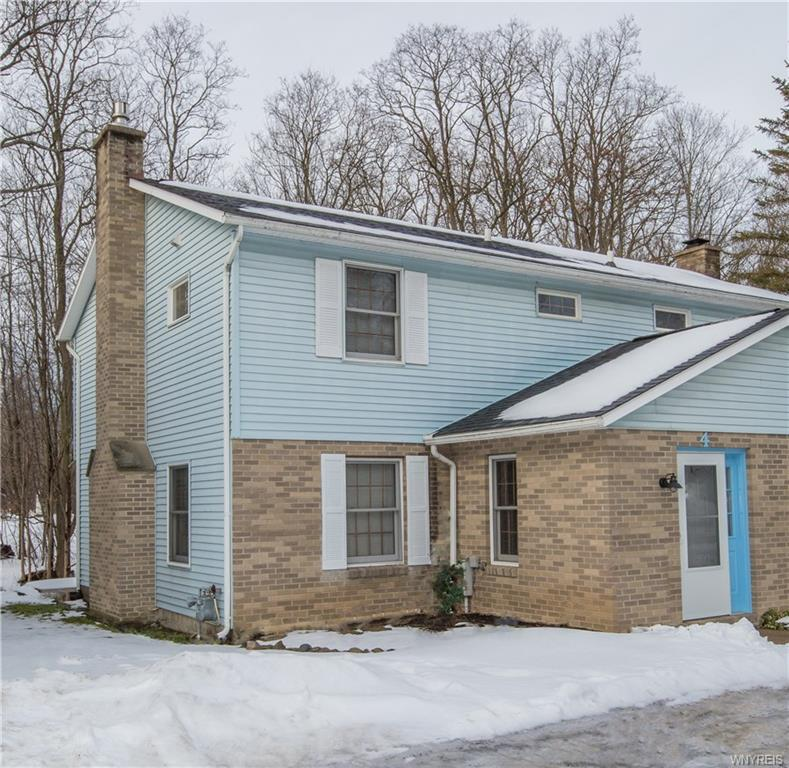Photo of home for sale at 4 Lincoln Street, Ellicottville NY