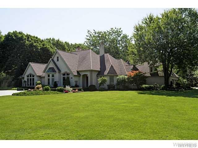Photo of home for sale at 606 Mountain View Drive, Lewiston NY