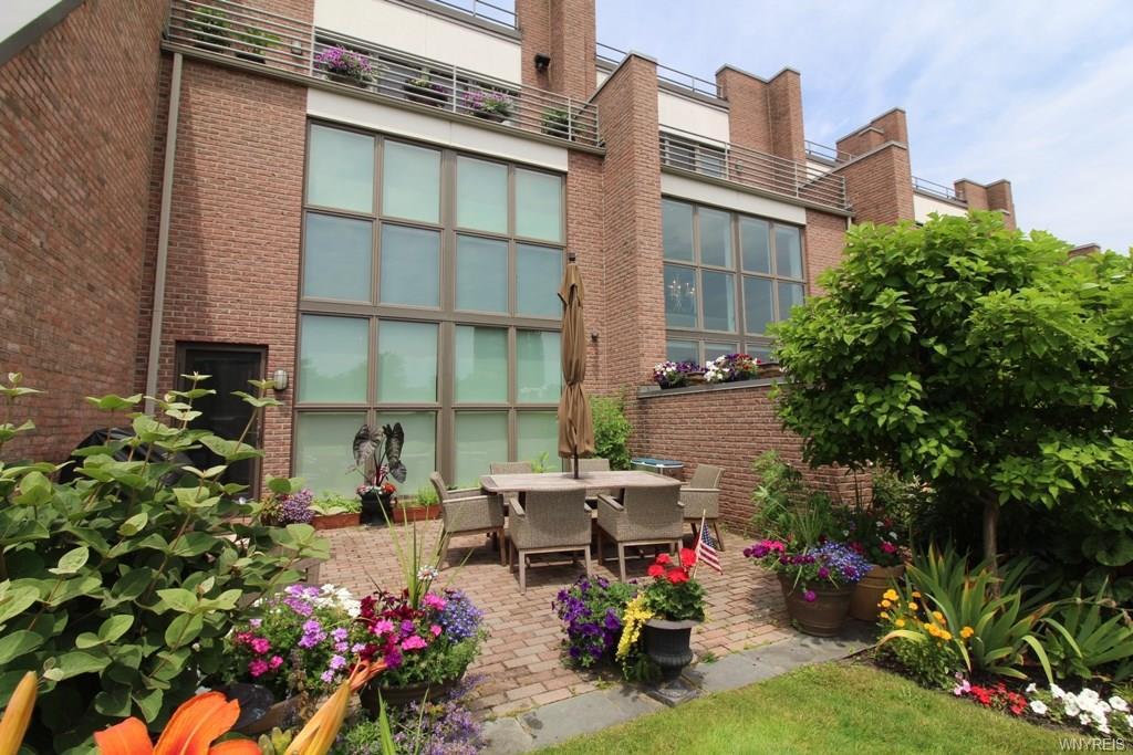 Photo of home for sale at 206 Portside, Buffalo NY
