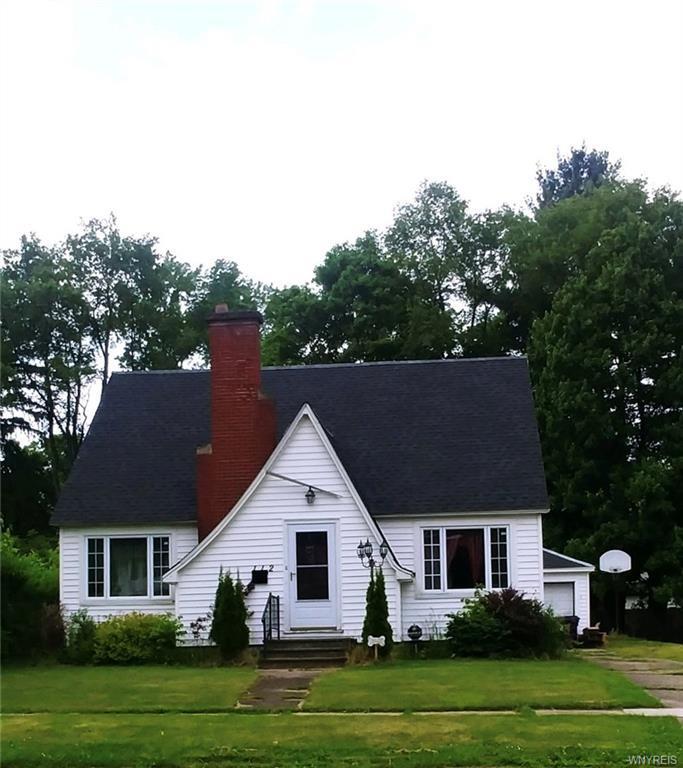 Photo of home for sale at 112 Kent Boulevard, Salamanca-city NY