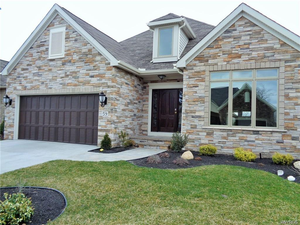 Photo of home for sale at 59 Beckford Court, Amherst NY
