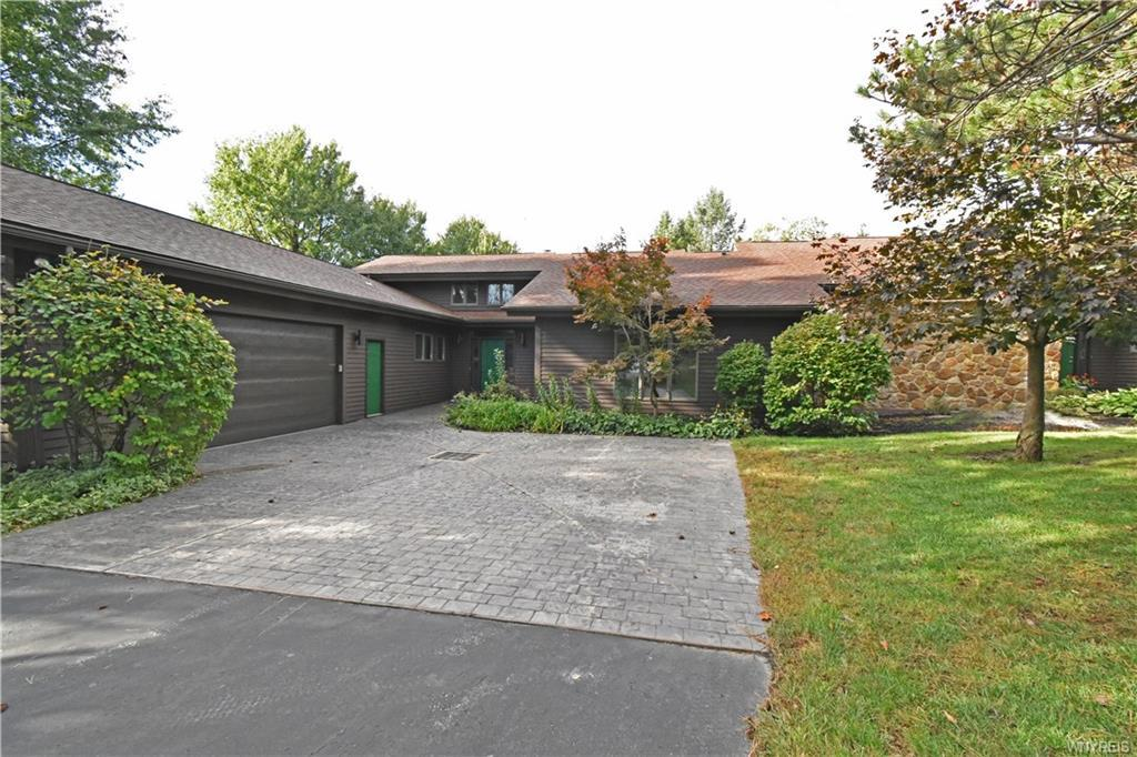 Photo of home for sale at 6511 Boston State Road, Hamburg NY