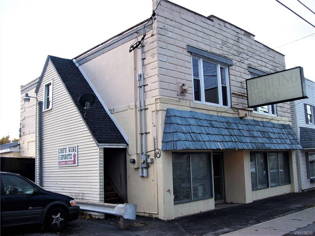 Photo of home for sale at 22 Main Street E, Pembroke NY
