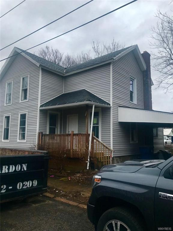 Photo of home for sale at 16 Evans Street, Lockport-city NY