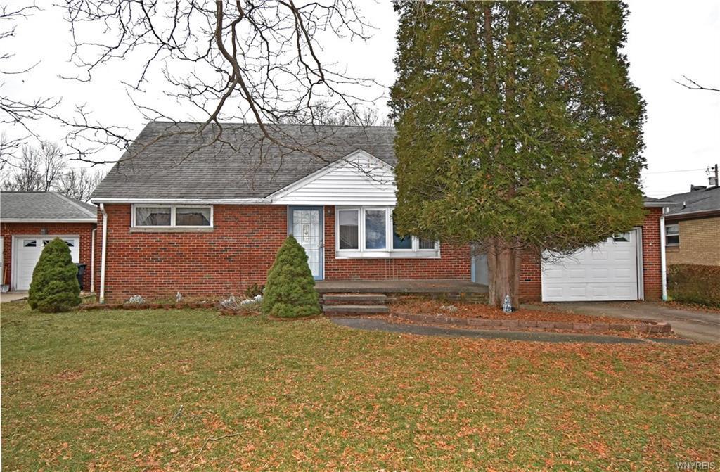 Photo of home for sale at 45 Shamokin Drive, Lackawanna NY