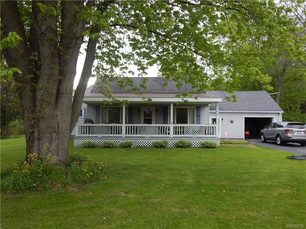 Photo of home for sale at 8752 Donahue Road, Batavia-town NY