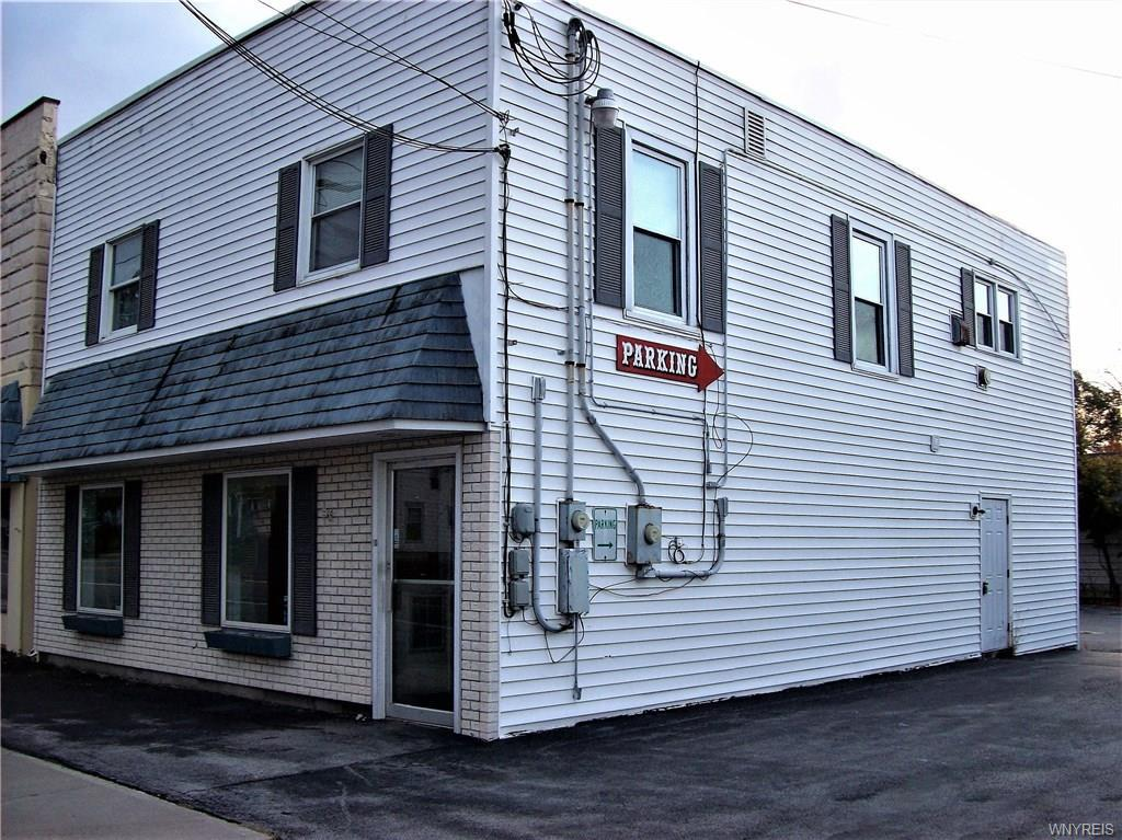 Photo of home for sale at 18 E Main Street, Pembroke NY