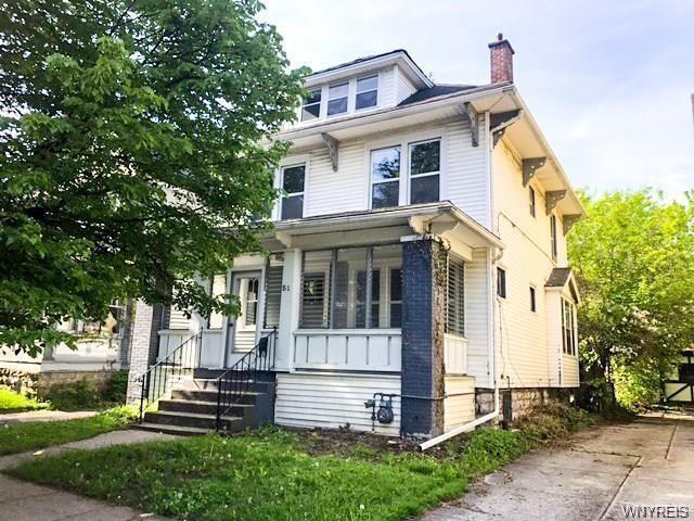 Photo of home for sale at 51 Northrup Place, Buffalo NY
