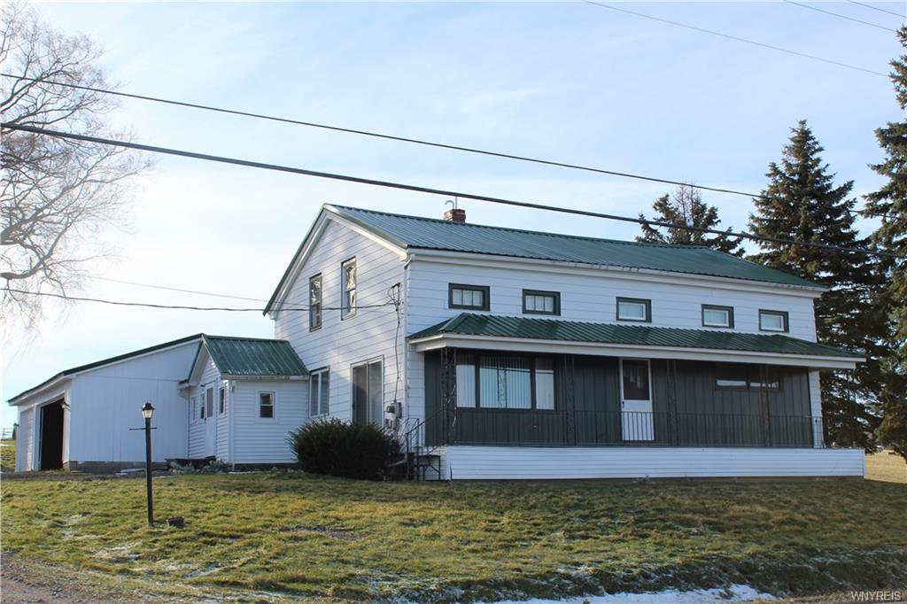 Photo of home for sale at 4154 Main Street Road E, Attica NY