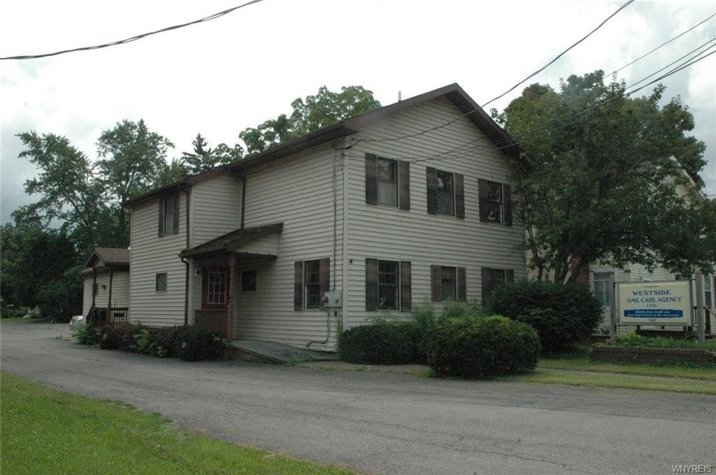 Photo of home for sale at 542 E Main Street, Batavia-city NY