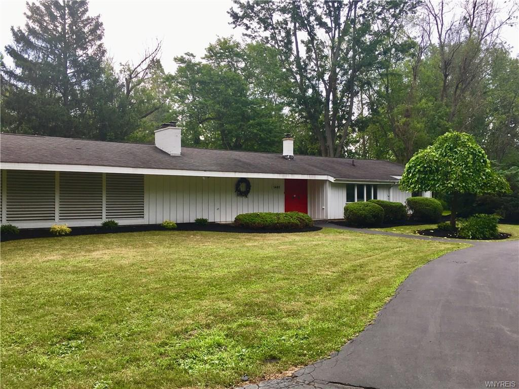 Photo of home for sale at 1481 Campbell Boulevard, Amherst NY