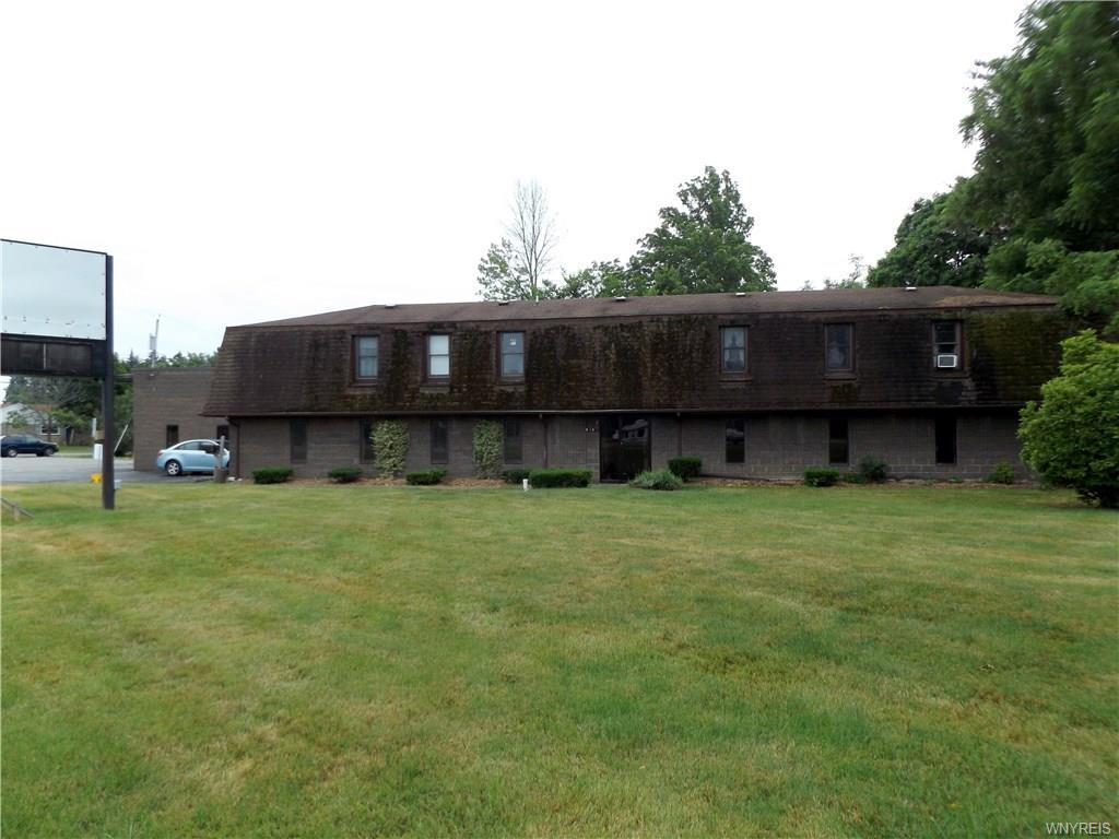 Photo of home for sale at 3910 Niag Falls Boulevard, Wheatfield NY