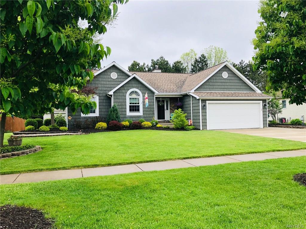 Photo of home for sale at 3287 Countryside Lane, Hamburg NY