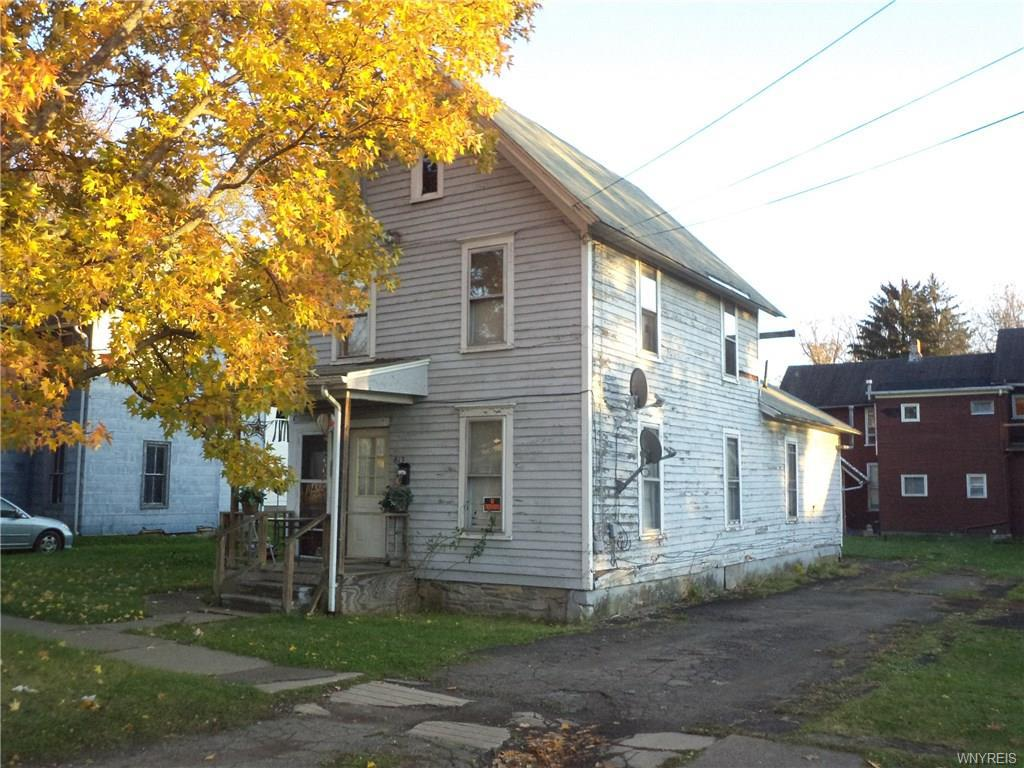 Photo of home for sale at 813 Sullivan Street W, Olean-city NY