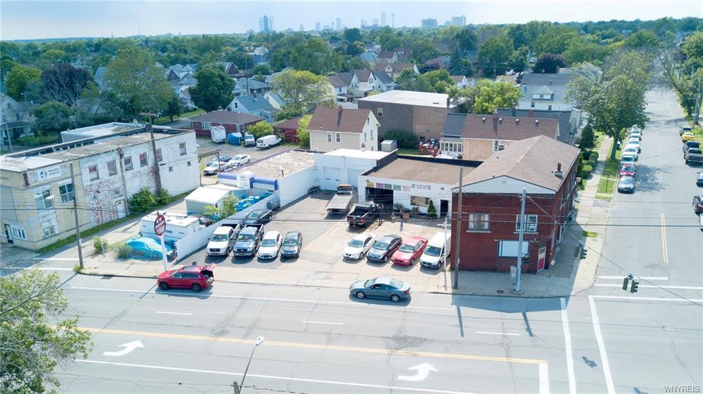 Photo of home for sale at 1322 Hyde Park Boulevard, Niagara Falls NY