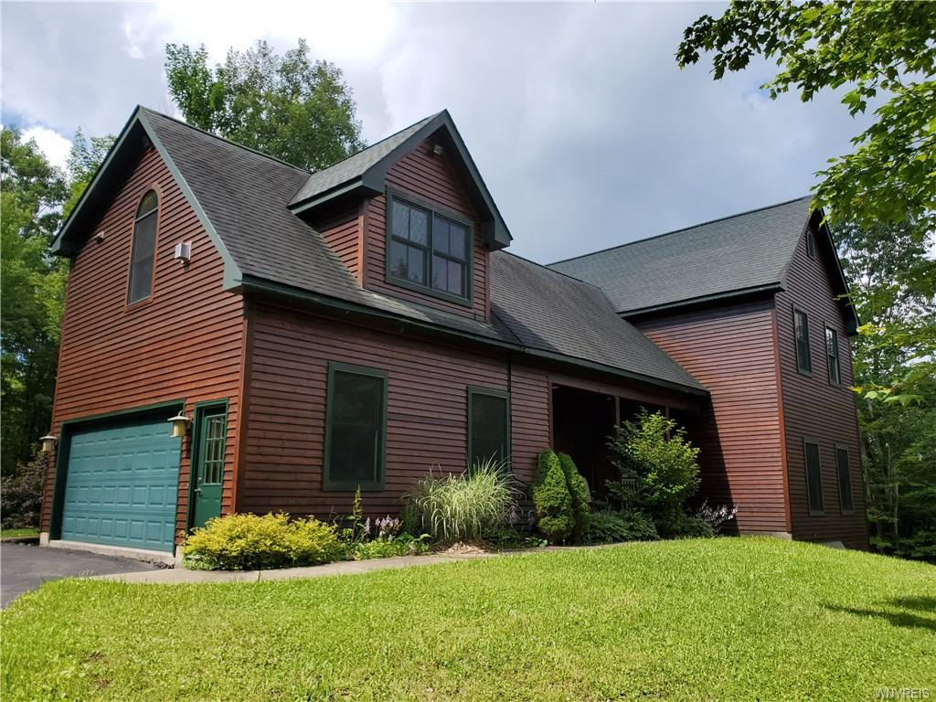 Photo of home for sale at 7447 Dublin Road, Mansfield NY