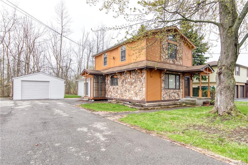 Photo of home for sale at 149 Hyland Avenue, Cheektowaga NY