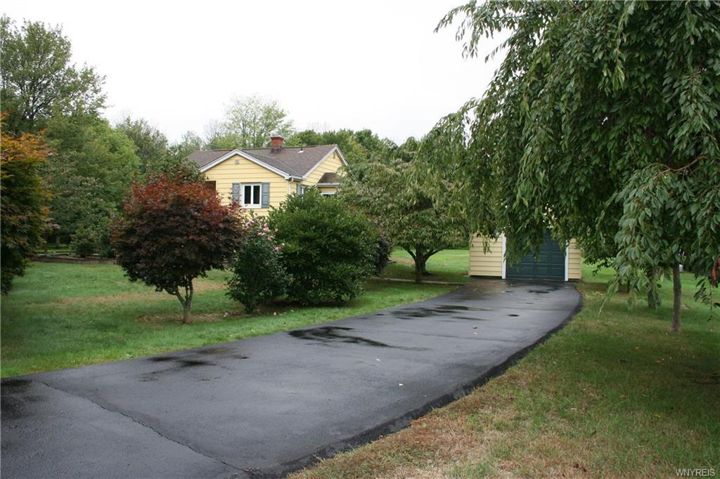 Photo of home for sale at 7234 Versailles Road, Evans NY