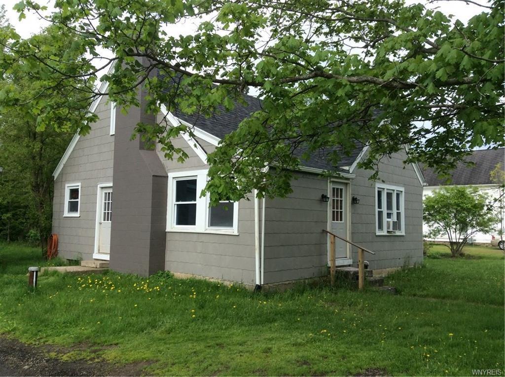 Photo of home for sale at 1466 Olean Portville Road, Portville NY